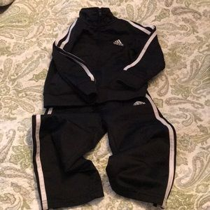 Adidas jogger set, black size 2T